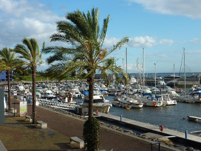 yachthafen-in-calheta